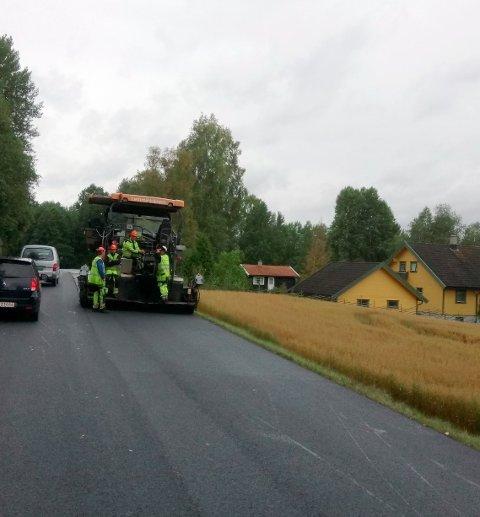BLIR NY: Veien mellom Strøm og Slåstad.