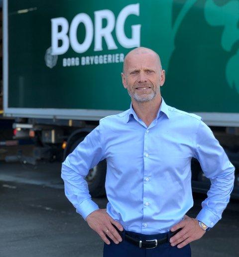 GRENSEHANDEL:  Administrerende direktør Lars Giil har fått på bordet tall som forteller  omfanget av grensehandelen. Med hjemmemarked nær grensen, rammes Borg-produkter ekstra hardt.