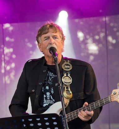 Geir Mortesen gleder seg stort til å spille Beatles-låter på Sinus fredag.