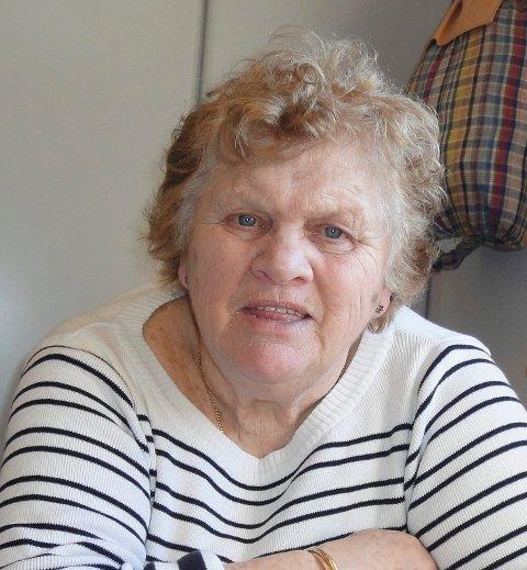 ADVARER: Lise Nygård ble nylig oppringt av pågående, falske teppe- og billettselgere. Nå advarer hun andre mot å prate med dem.