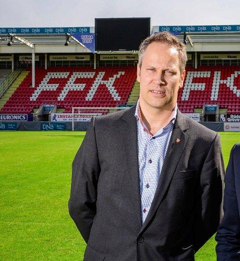 TILLIT: Ordfører Jon-Ivar Nygård på Fredrikstad Stadion i 2013.