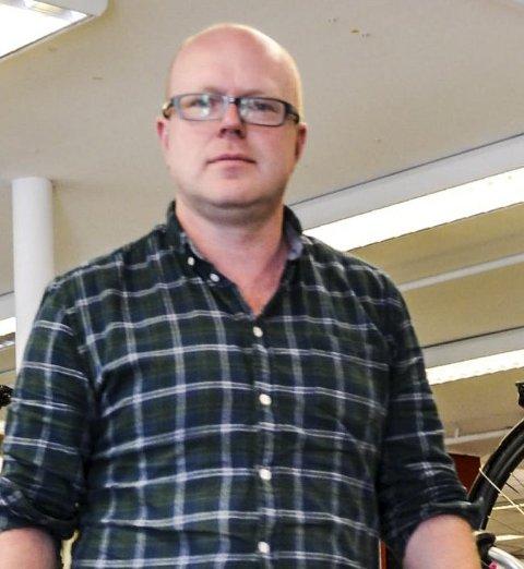 Gulbrandsen: – Klubbene trenger de lokale butikkene. foto: Eli Tørud