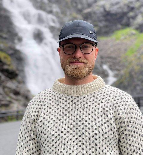 FLYTTA HEIM: Henrik Josef Schwarz (28) fra Fagernes flytta i sommer heim til Valdres. Han og kjæresten har kjøpt seg hus på Førsøddin, som de nå venter på at skal bli ferdig bygd.