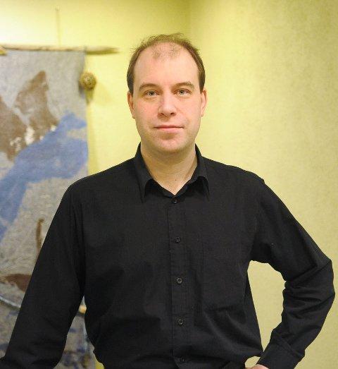 Janne Kankaala er på plass i Øksnes som kommunalsjef for teknisk. Han vil jobbe i rådmannens stab og ha tre avdelingsledere under seg. (Foto: Trond K. Johansen)