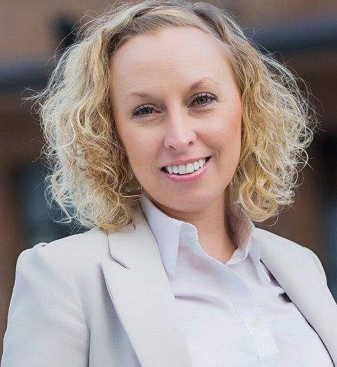 IKKE HELT FERIESTILLE: Megler og faglig ansvarlig Trine Skattum Rikoll har hatt ferie, men også måttet jobbe litt.