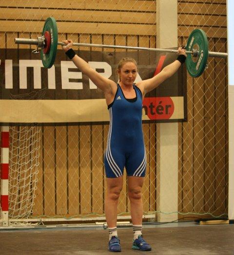 FRA HAUGESUND VEKTLØFTERKLUBB: Maren Vestre (25) var ei avde mange utøverne til Haugesund Vektløfterklubb i Vestlandsmesterskapet i Tysværtunet i helgen.