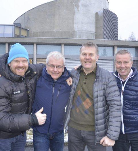 KÅRER AURSKOG-HØLANDS BESTE BEDRIFT: Stig Vormeland (t.v.), Vegard Tønsberg, Erik Bakke og Carl Fredrik Havnås i Aurskog-Høland Utvikling.