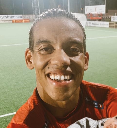 Han har vært god for et imponerende Stjørdals-Blink så langt i OBOS-ligaen. Nå skal Robin Bjørnholm Jatta fra Sjetnmarka vise seg fram for Gambias fotballandslag.