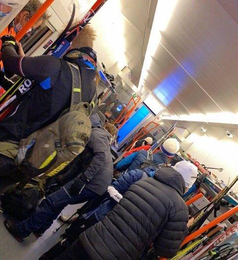 FULLT: Toget var fullt av skigåere lørdag morgen i forrige uke. Nå setter Vy opp flere avganger.