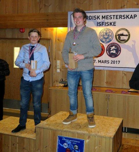 På podiet: f.v: Sølvvinner i juniorklassen Lars Martin Bjørnstad og Nordisk mester Vegard Skalleberg Rindal. Begge representerte Sandefjord JFF.