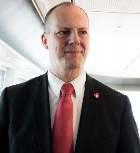 OSLO  20180228. Samferdselsminister Ketil Solvik-Olsen etter møtet han hadde med  NSB om avvikene i togtrafikken.  Foto: Berit Roald / NTB scanpix