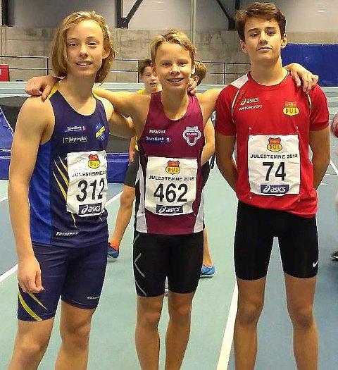 SPRINTTALENT: Valentin Jensen (til venstre) løp en knallsterk 60-meter i helgen. Her sammen med konkurrentene  Sebastian Berntsen (Tønsberg) og Nicholas Baranyi Eriksen (BUL).