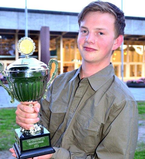 I siget: I starten av juli fikk Tor Nythun-Bøe fra Leira sitt andre napp i kongepokalen da han spilte seg til seier i superfinalen under NM i trekkspill i Skien. I dag deltar han på Landsfestivalen.