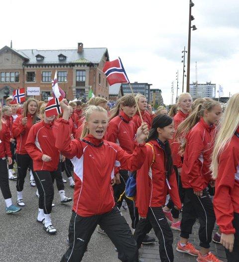 FORNØYD: Ida Syversen var i godt humør under åpningsseremonien under Aalborglekene.