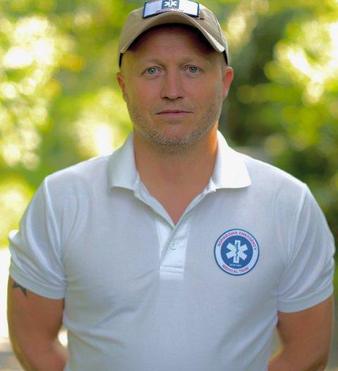 Til daglig jobber han som sykepleier/paramedic på Nordlandssykehuset i Bodø. I april satte Håvard Jansen (46) fra Saltdal seg på et fly til hardt koronarammede Italia. Der opplevde han sykdom og død på nært hold, og bisto i kampen mot viruset som har preget 2020.  46-åringen er en av kandidatene til å bli Årets nordlending 2020.