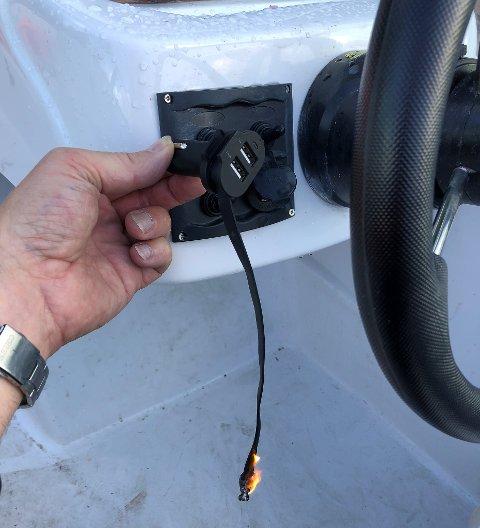 BRANNFELLE: Fukt eller ein slitt leidning er nok til at det kan oppstå brann dersom ledningar blir ståande i kontakten. Det er det mange som ikke er klar over.
