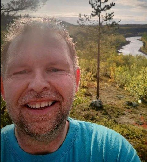 STARTER NYTT SELSKAP: Stein Tore Sivertsen har startet opp selskapet PN Transport AS, som skal drive med turisttransport.
