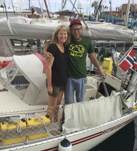 Den store reisen:  Eirin Bråten Nygård og Jakob Slettevold avreisedagen fra Las Palmas før de skal krysse Atlanteren.