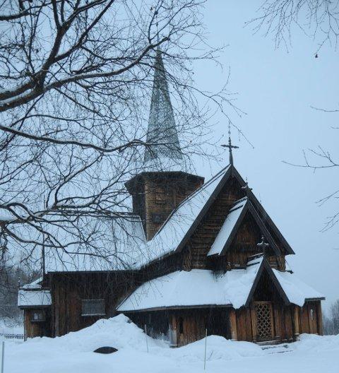 FÅR PENGAR: Hedalen stavkyrkje er ein av tre lokale kyrkjer som får pengar til vedlikehald.