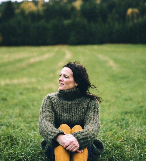 NY EP: Søndag er det releasekonsert for May Sissel si nye EP «Svarttrost».