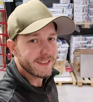 Remi Alexander Beck mistet jobben i desember og sto uten penger i fire måneder. Så fikk han seg jobb.