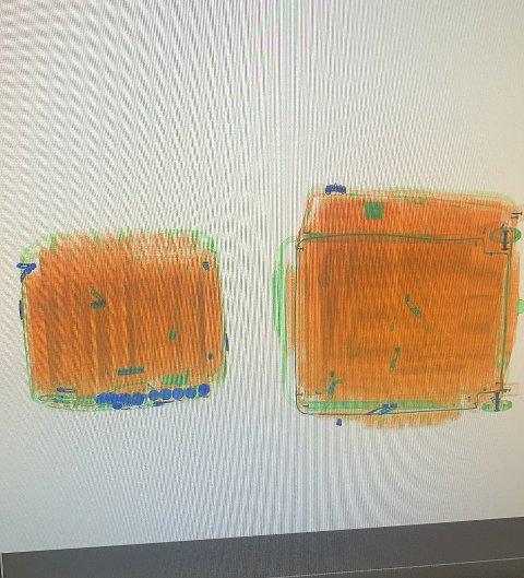 SIGARETTER: Flypassasjer hadde med seg rundt 21.000 Heets-sigaretter i en koffert og en bag da han ankom Torp i januar.