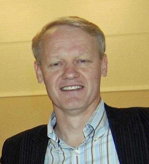– DYPT TRAGISK: Bernt Aksel Larsen sier at den siktede 34-åringen ikke har vært ansatt i Smiths Venner.