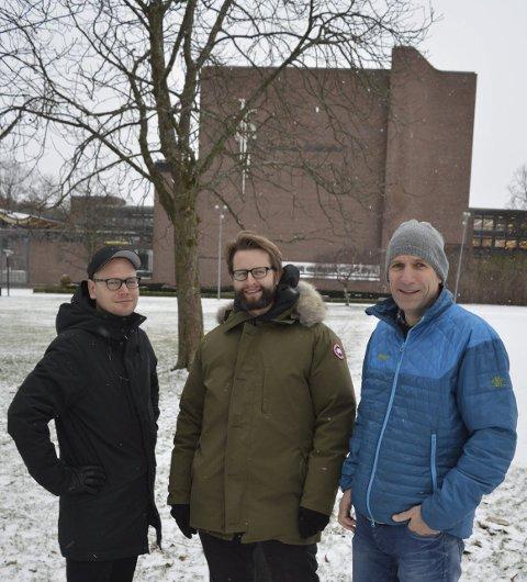 Hjertnesanlegget:  Dette er fint, mener Jarand Midtgaard (f.v.), Fredrik Bogre og Kristian Ottesen, som gleder seg til å få en fjerdemann til Spirs kontor i Sandefjord. Begge foto: Jan Roaldset