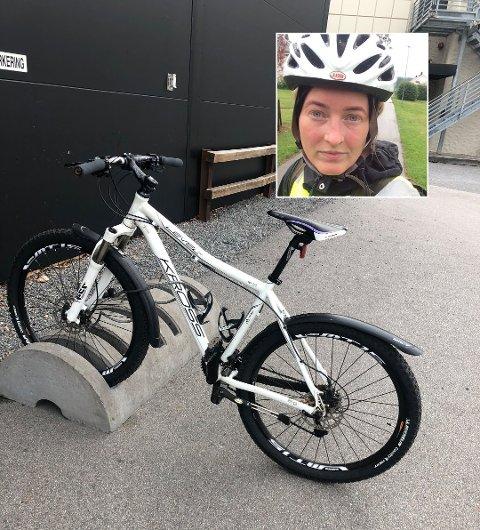 BORTE VEKK: Tina Mathisen Oddens kjære terrengsykkel, av merket Kross Level F5, er nå stjålet. Her er den fotografert i Sandfjord nylig, og nå håper Tina noen vet noe. Hun utlover dusør om hun får sykkelen tilbake.