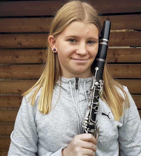 Gleder seg: Signe Bakketun gleder seg til konsert.foto: privat