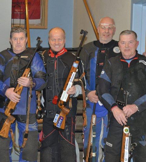 Felt: Egil Grina (til venstre), Tore Hoff, Finn Nordli og Karl Emil Grina ser fram til Lygnafelten.