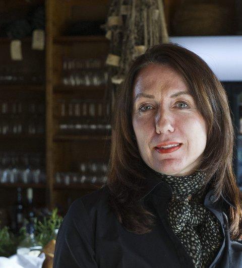 """Eva Andersen hevder retten til å høste multer fra eget """"multebærland"""", for servering som lokalmat i Støtt Brygges restaurant."""