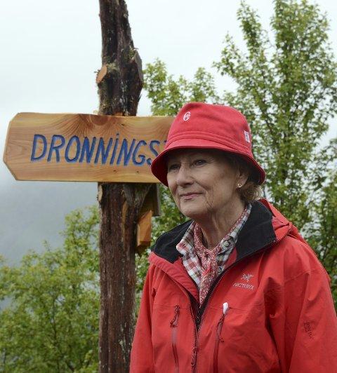 Dronning Sonja, på Dronningstien ved Heng