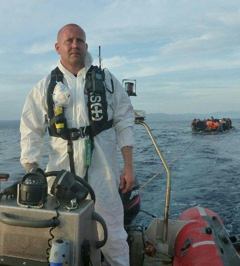 REDNINGSMANN: Styrmann Hans Christian Bach fra Larvik har vært med på mange redningsaksjoner utenfor Lesvos.