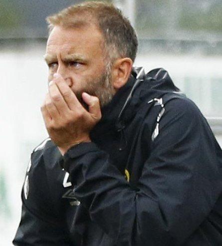 MISFORNØYD: Ull/Kisa-trener Trond Fredriksen var langt fra fornøyd med lagets prestasjon i 2-2-kampen mot tabelljumbo HamKam.