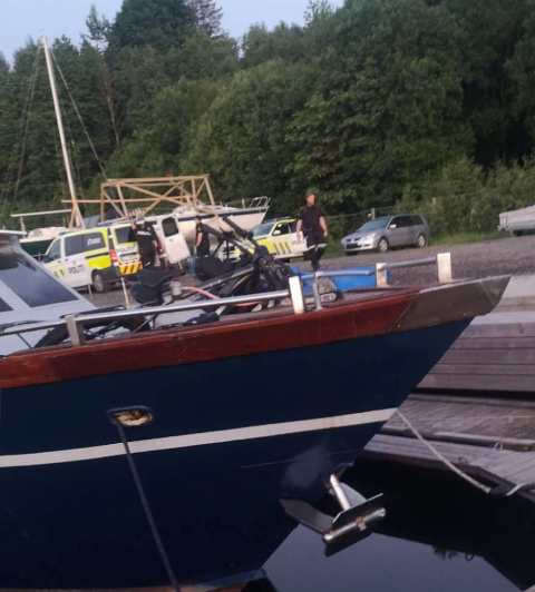 HER BLIR HAN TATT: En mann i 30-årene ble pågrepet i Bugten Yacht club på Tollnes natt til tirsdag etter at politiet fikk melding om et ran.