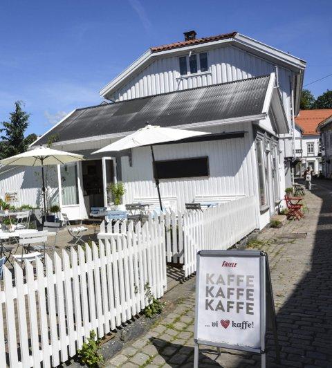 Pærehaven kafè og pub ligger i gågata.