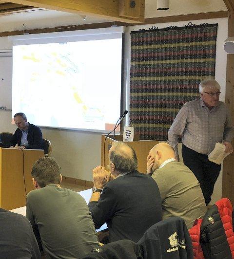 Ned fra talerstolen: Svein Erik Lunde i Venstre.