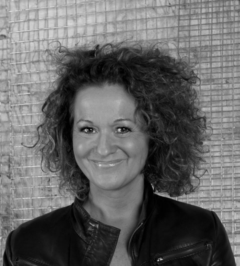 MEDITATIV KONSERT: Kristin Skaare holder konsert i Son kulturkirke søndag. Hun ser gjerne at du tar med deg yogamatte.