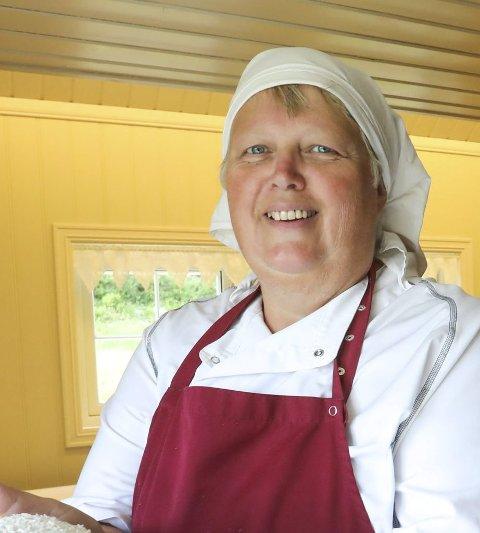 Grethe Dalen håper at et alternativ til det tradisjonsrike julemarkedet på Holmen Gård, vil bli tatt godt imot.