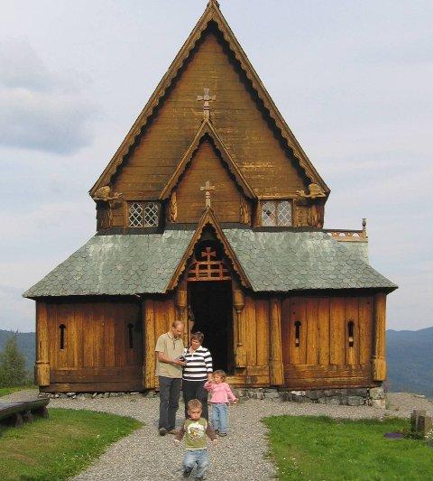 Garanti: Reinli stavkirke (bildet) har fått underskuddsgaranti. Det samme har stavkirka i Hedalen.