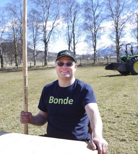 BONDELAGSLEDER: Geir Lohn er leder i Alvdal Bondelag. Han har vært mentor for Animal Rescue-gjengen.  Foto: Tonje Hovensjø Løkken