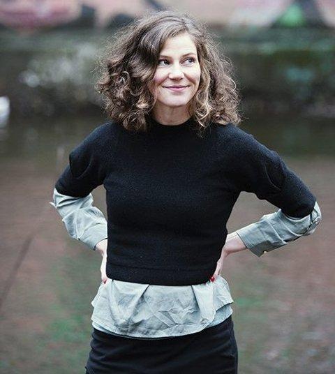 Forfatter: Ane Nydal er tidligere litteraturanmelder og journalist i Morgenbladet. Nå jobber hun på bibliotek samtidig som hun er forfatter. Sande Avis skrev også om hennes første bok, «Famlere»