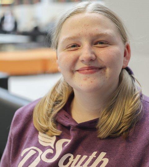 Veronica Teig (16) fra Eidsberg: – Å ja. Jeg ser at mange andre drikker seg fulle og da føler jeg at man blir presset til å drikke.