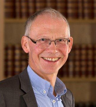 Sven Knagenhjelm er bistandsadvokat for de etterlatte etter tunnelulykken i Oslo.