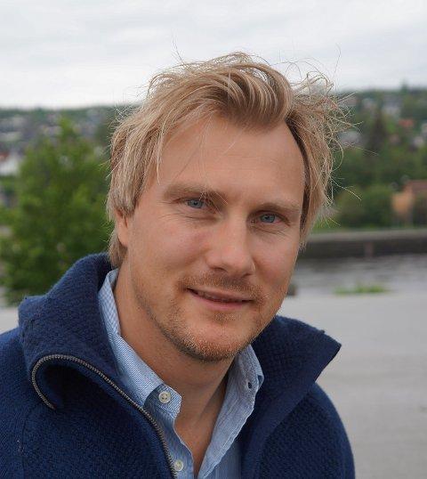 I NORGESTOPPEN: Ekås sine pølser er nå i norgestoppen, som naturlig nok er moro for Per Sverre (på bildet) og resten av familien Ekås.