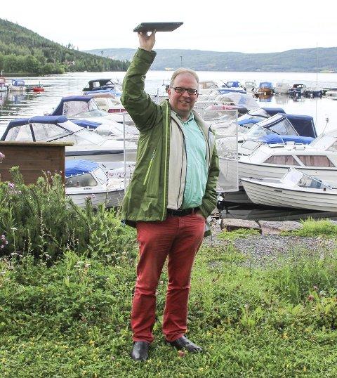 KREVENDE TID: Samfunnsutviklingssjef Leif Arne Vesteraas forteller om en krevende vår der tre av fire i byggesaksavdelingen sa opp. Bildet er fra ikke-relatert befaring i Røykenvik.