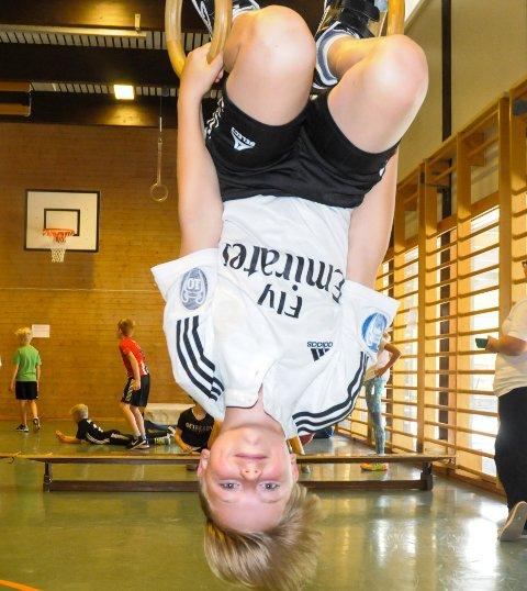 SNUDDE SKOLEDAGEN: Edvard Gusgaard Viset (10) syns det var helt innafor for med en annerledes skoledag.