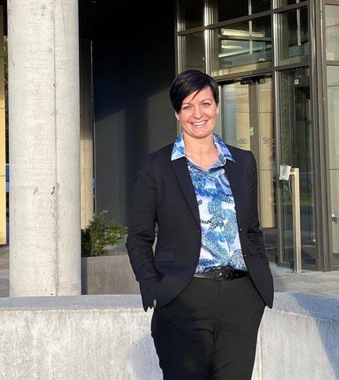 DRØMMEJOBB: Camilla Lund Andersen har fått jobben som hotelldirektør på Karl Johan Hotel like ved slottet i Oslo. – Det er drømmejobben, sier hun selv.