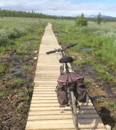 Ikke bygd: Langsua har ikke bygde en sykkelsti med planker i Langsua nasjonalpark.